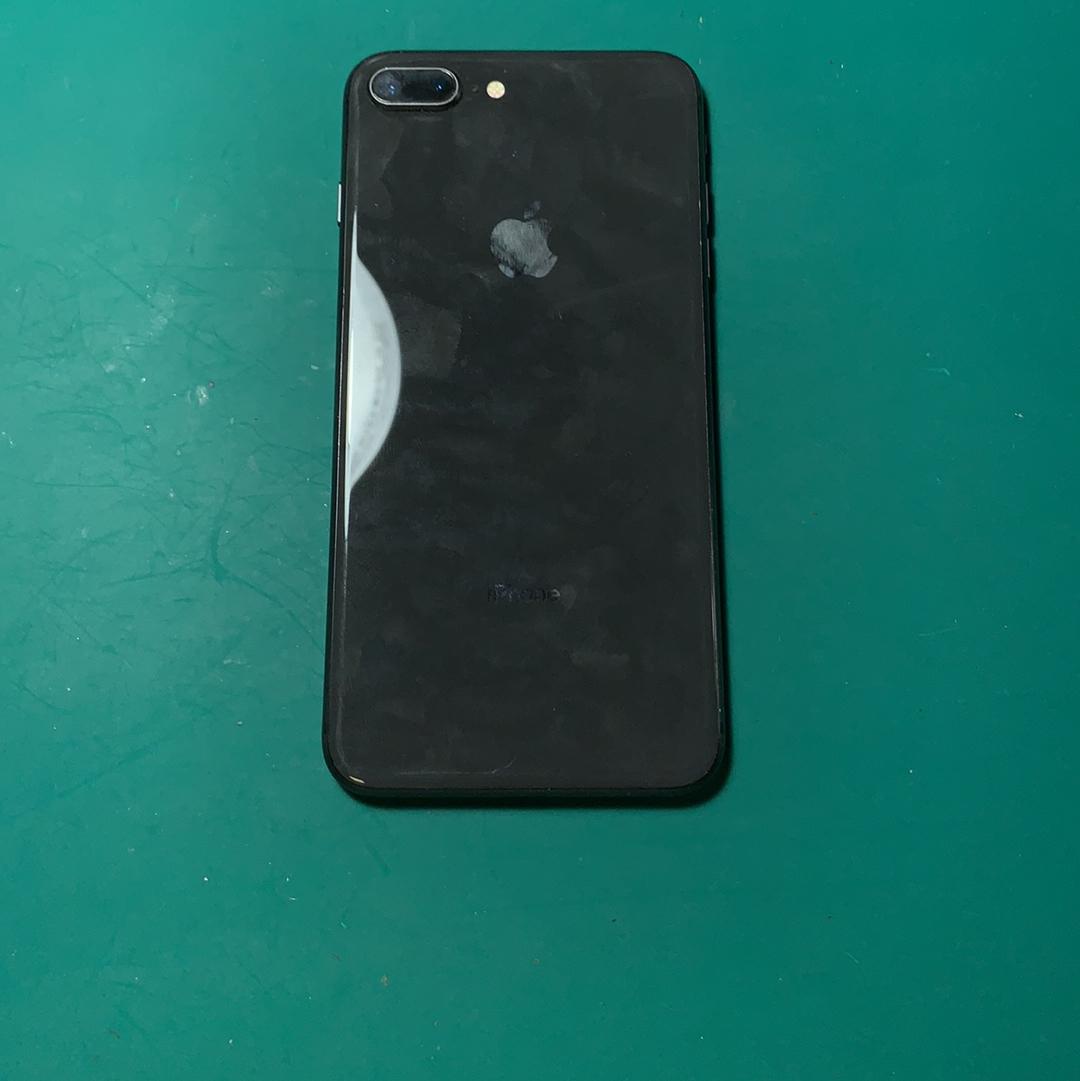 苹果【iPhone 8 Plus】4G全网通 深空灰 64G 国行 8成新 真机实拍