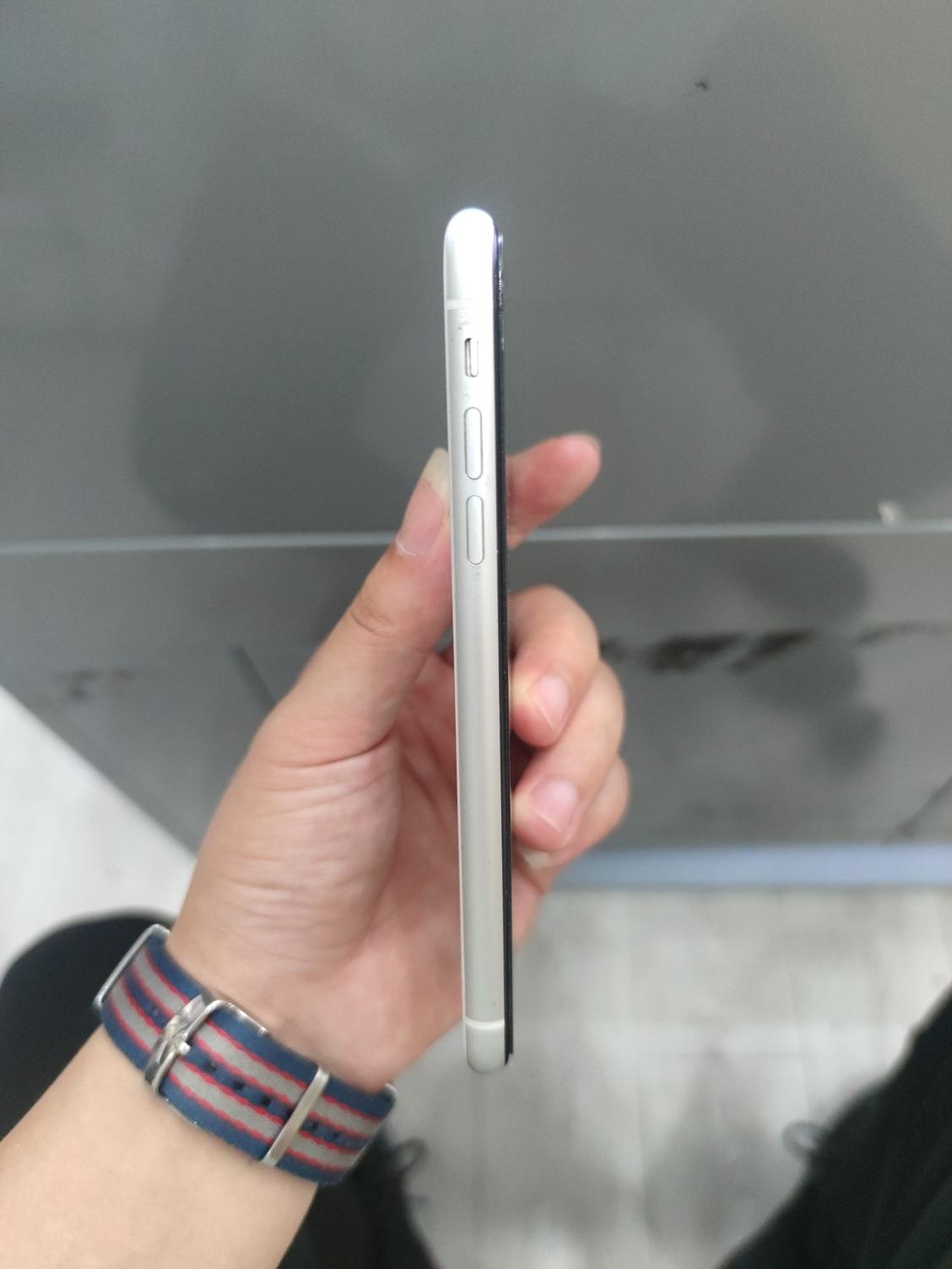 苹果【iPhone XR】9成新